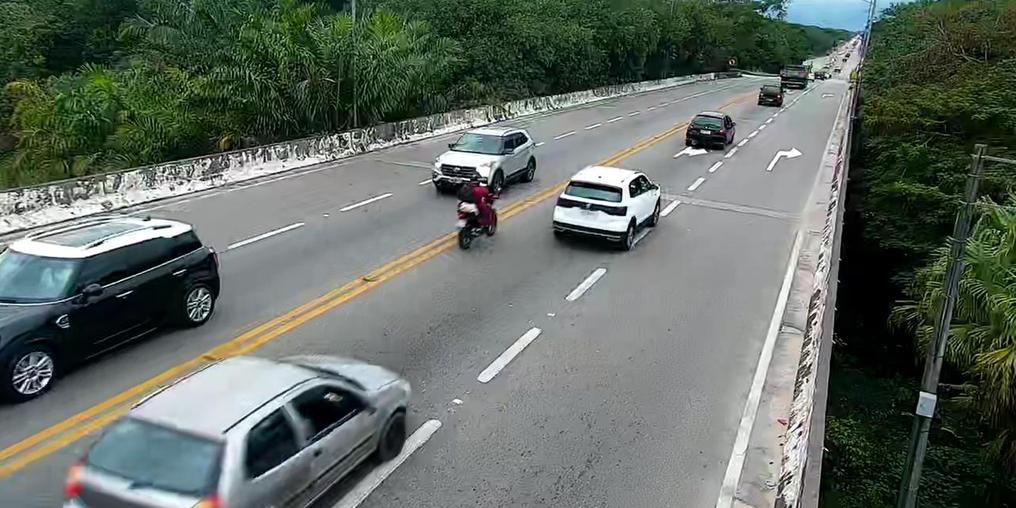 Rio-Santos registra tráfego intenso em véspera de feriado (Imagem: DER SP)