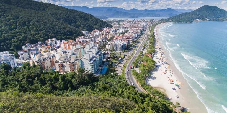 Imagem aérea de Ubatuba (SP) (Reprodução/Prefeitura de Ubatuba)