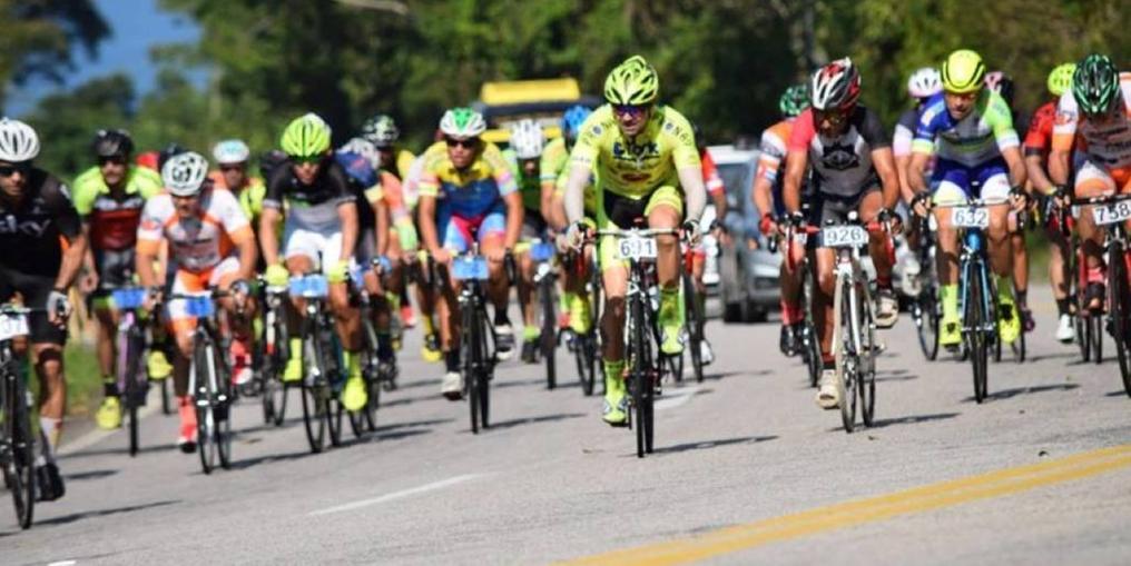 Mais de 1,3 mil ciclistas participaram da competição em Ubatuba (SP) (Roberta Janaina)